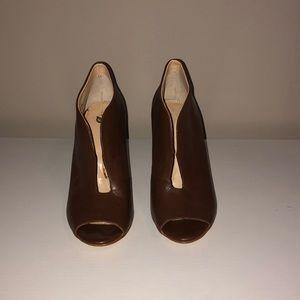 Banana republic chocolate brown leather heels